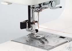 Janome Jem Gold Plus - One Hand Thread Cutter