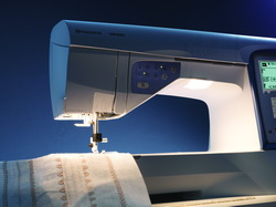 Viking SAPPHIRE 835 Sewing and Quilting Machine
