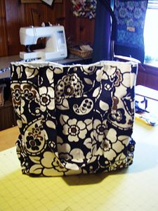 Purses and bags are my favorite projects to sew, I'll make a few this year.